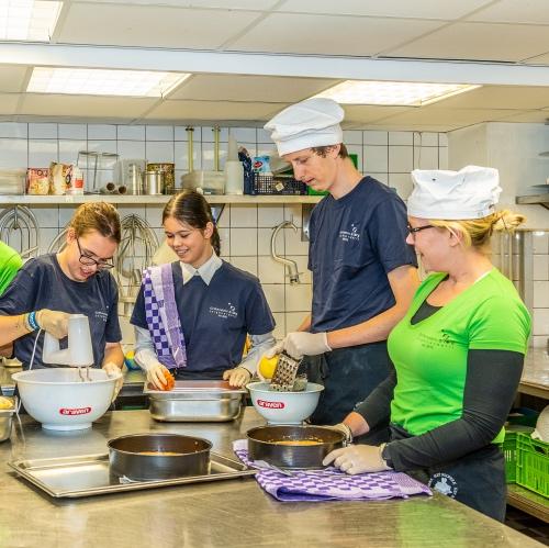 Griftenstein en Zorg VAn der Valk De Bilt-Utrecht Taarten bakken